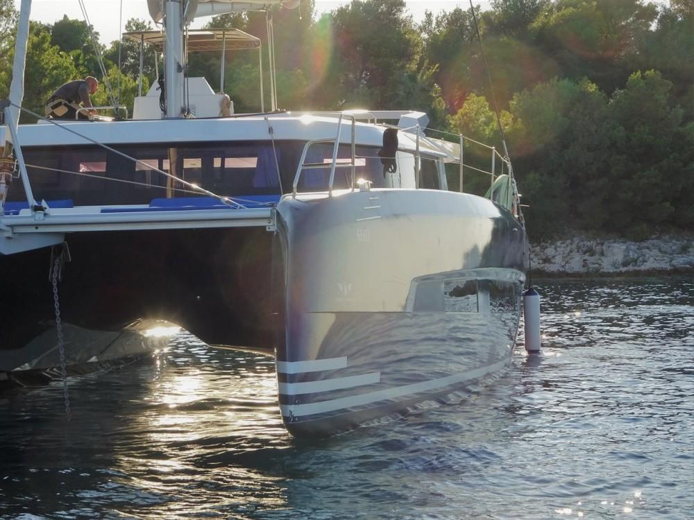 Boat rental Dufour Dufour 48 Catamaran - 5 + 1 cab. in Primošten on Samboat