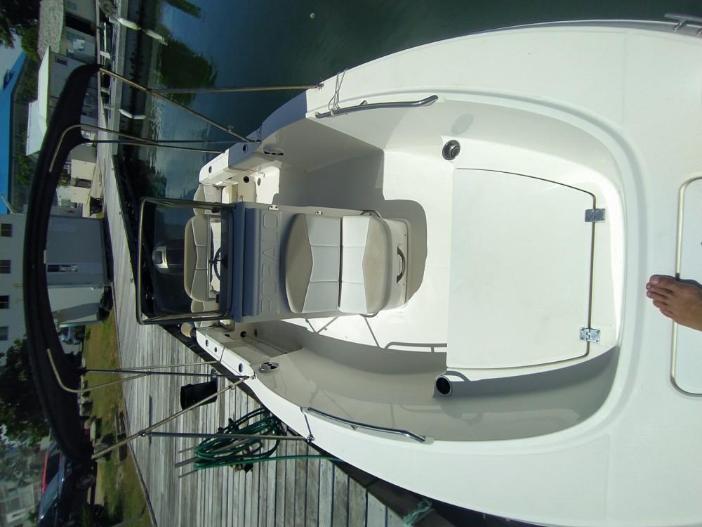 Rental Motorboat in Saint Martin (France) - Robalo 180