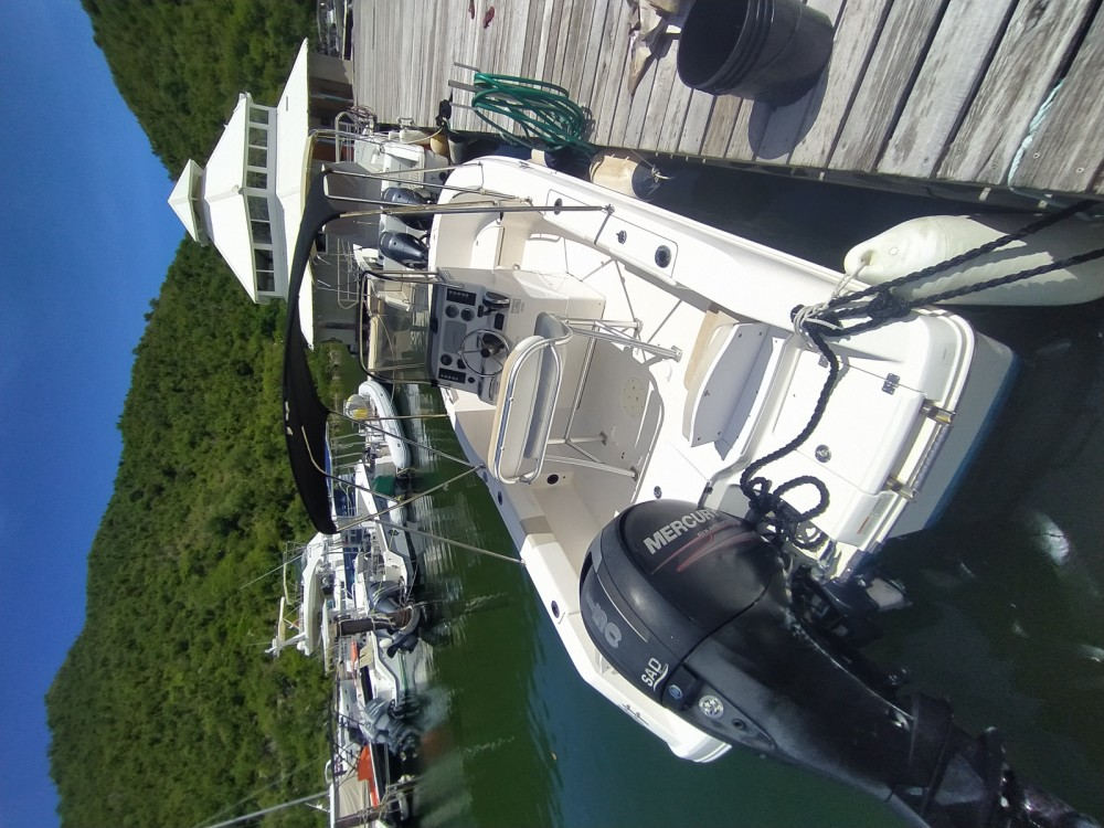 Rental Motorboat Robalo with a permit
