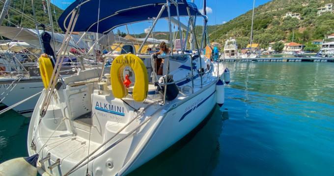 Rental Sailboat in Lefkada (Island) - Bavaria Bavaria 37 Cruiser