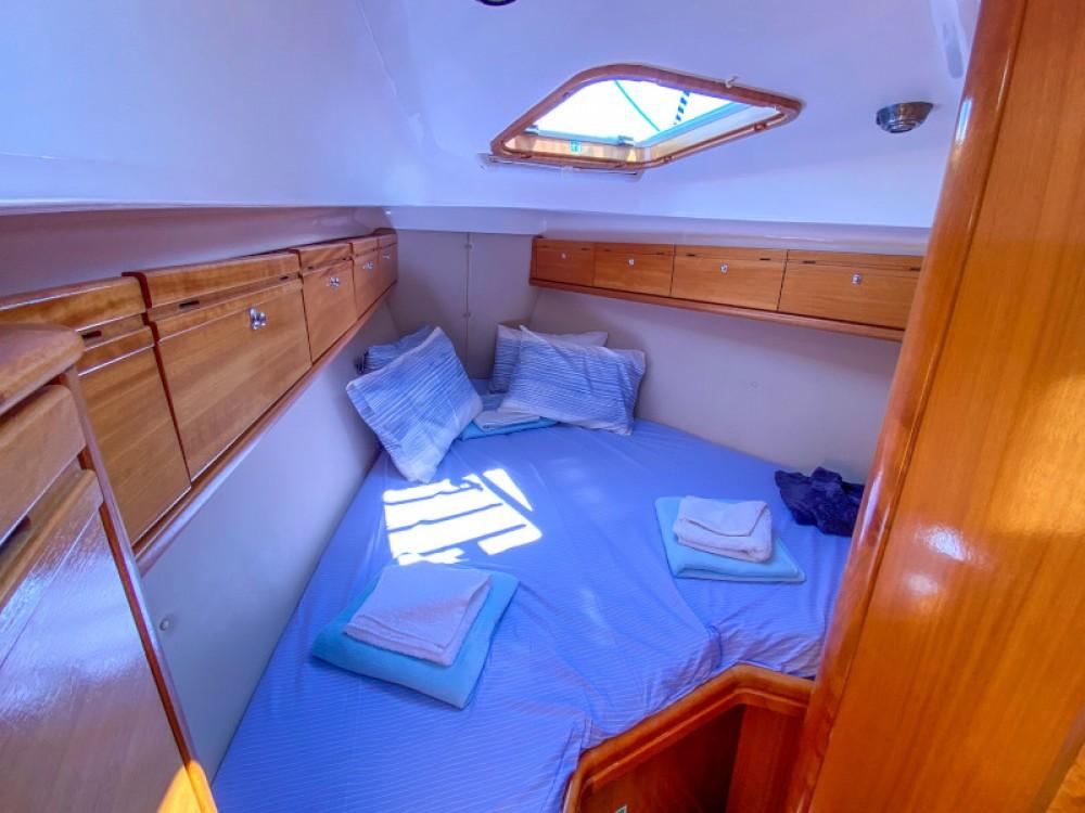 Rental yacht Lefkada - Bavaria Bavaria 37 Cruiser on SamBoat