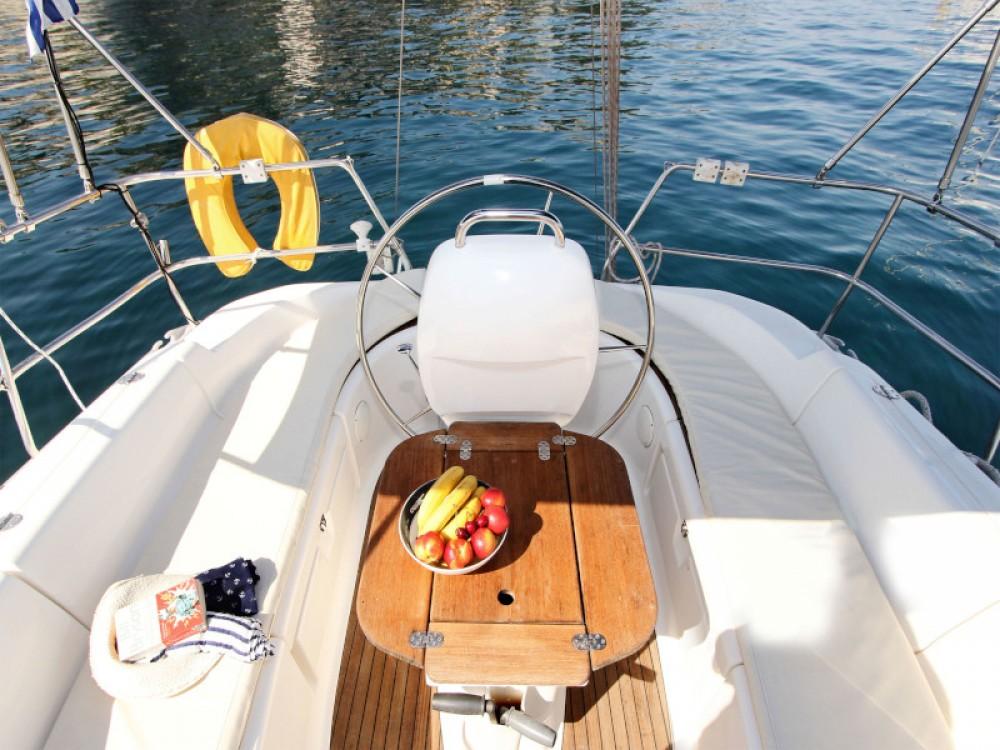 Boat rental Bavaria Bavaria 37 Cruiser in Lefkada on Samboat