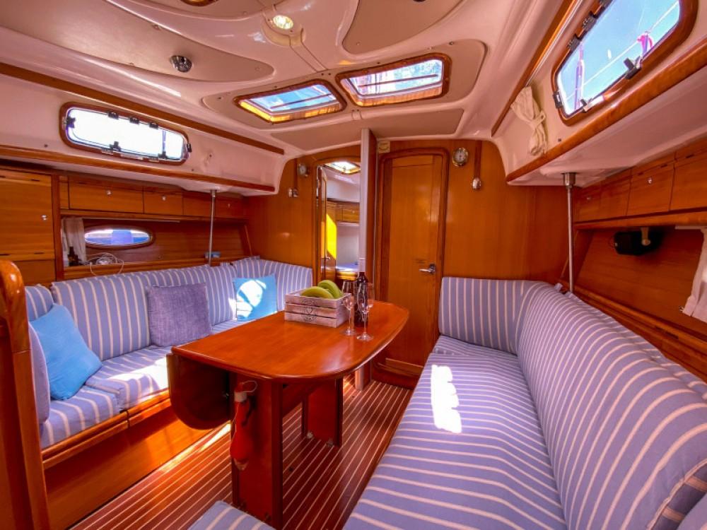 Rental Sailboat in Lefkada - Bavaria Bavaria 37 Cruiser