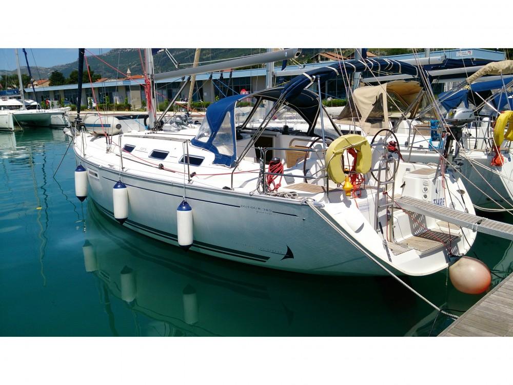 Rental yacht  - Dufour Dufour 385 on SamBoat