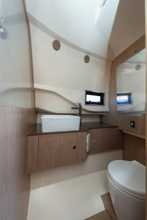 Rent a Nuova Jolly Prince 38 Sport Cabin Mueang Phuket