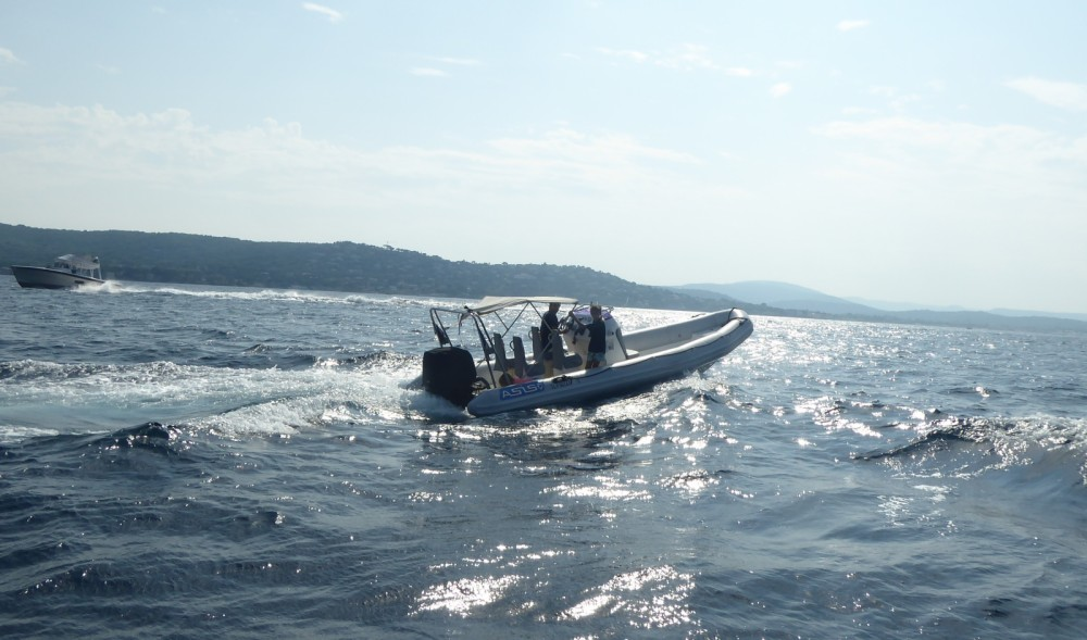 Rental RIB Asis with a permit