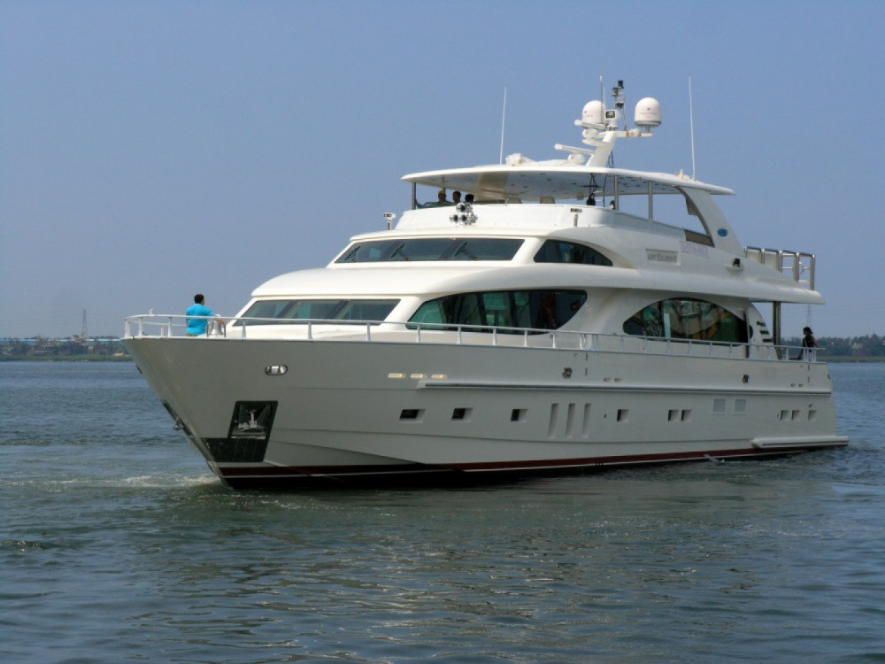 Yacht for rent Mueang Phuket at the best price