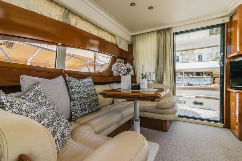 Rental Motorboat in Split - Jeanneau Prestige 46 Fly
