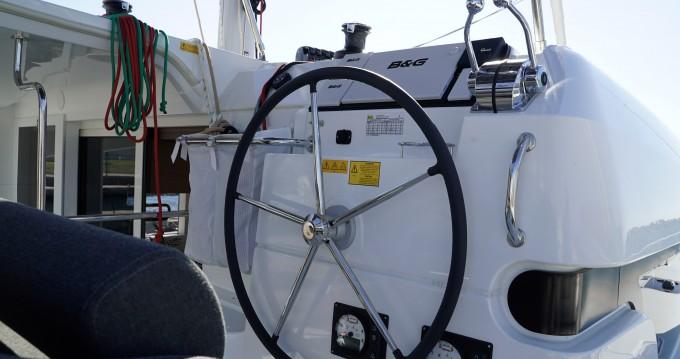 Rental Catamaran in Lefkas Marina - Lagoon Lagoon 40