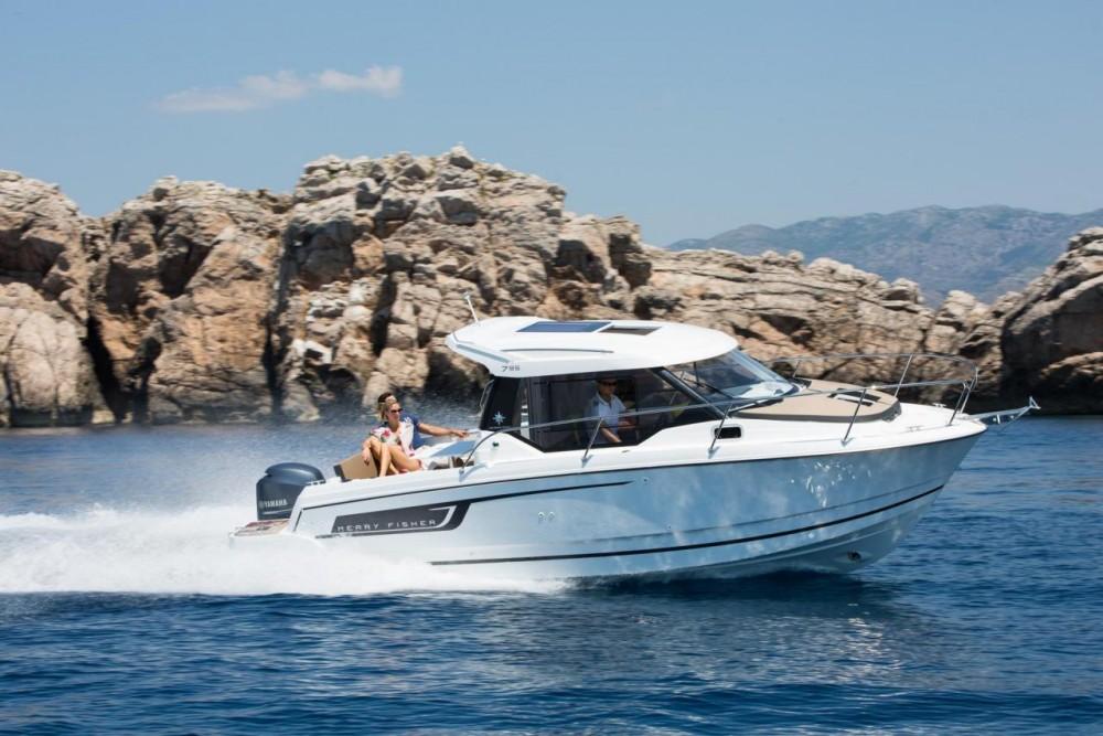 Boat rental Jeanneau Merry Fisher 795 in Croatia on Samboat