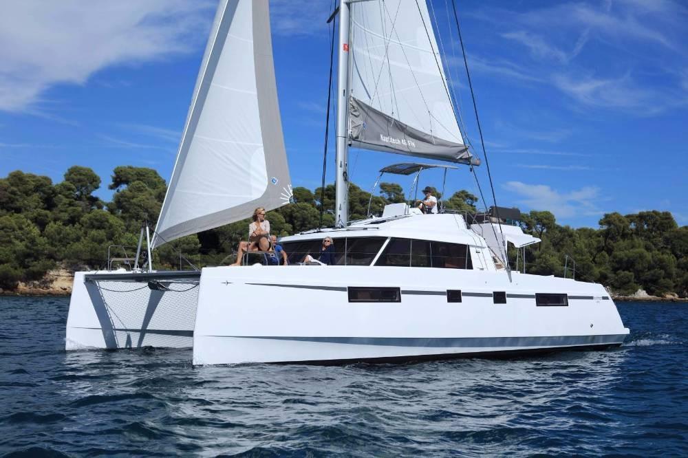 Rental Catamaran Nautitech Rochefort with a permit