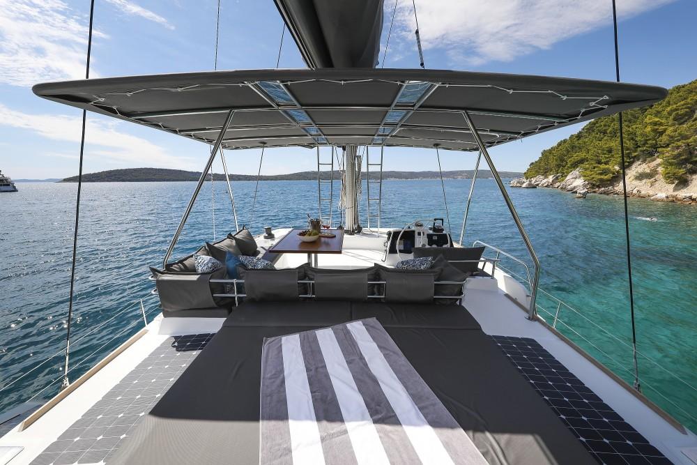 Boat rental Catana Bali 4.8 - 5 cab. in Croatie on Samboat