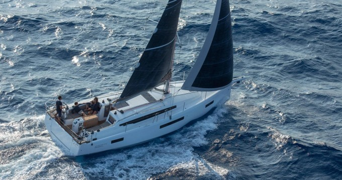 Sailboat for rent Puntone at the best price