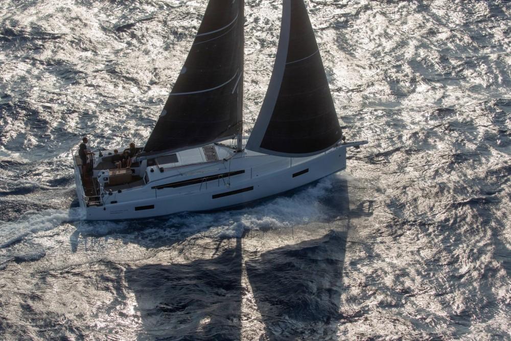 Boat rental San Vincenzo cheap Sun Odyssey 410