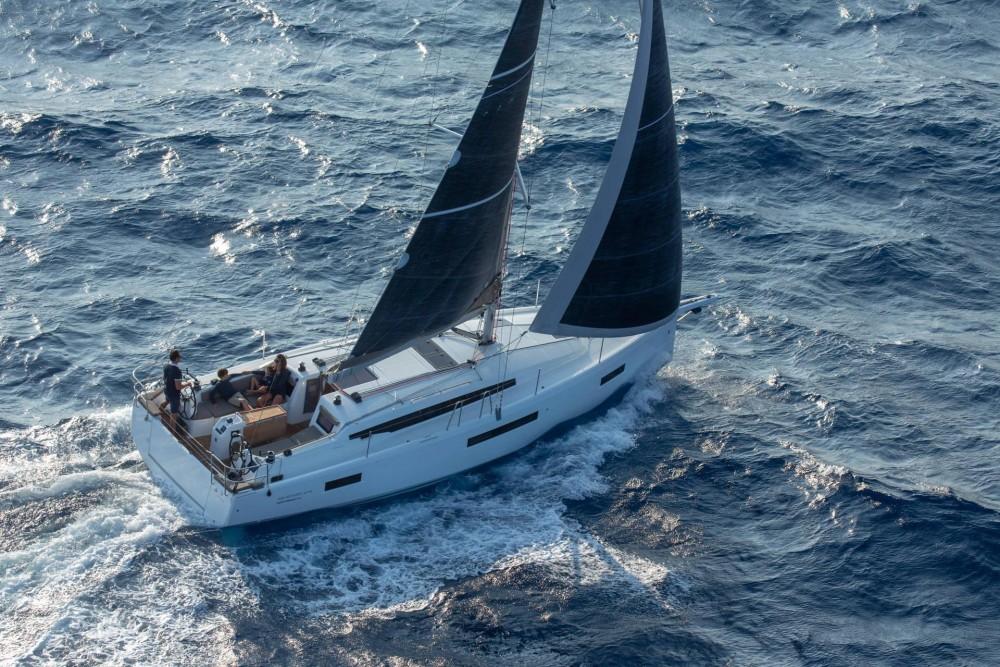 Rental yacht San Vincenzo - Jeanneau Sun Odyssey 410 on SamBoat