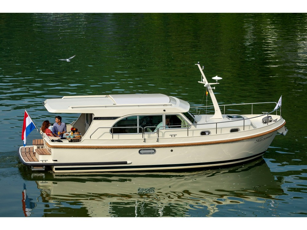 Rental Motorboat in Kinrooi - Linssen Linssen Grand Sturdy 30.0 Sedan