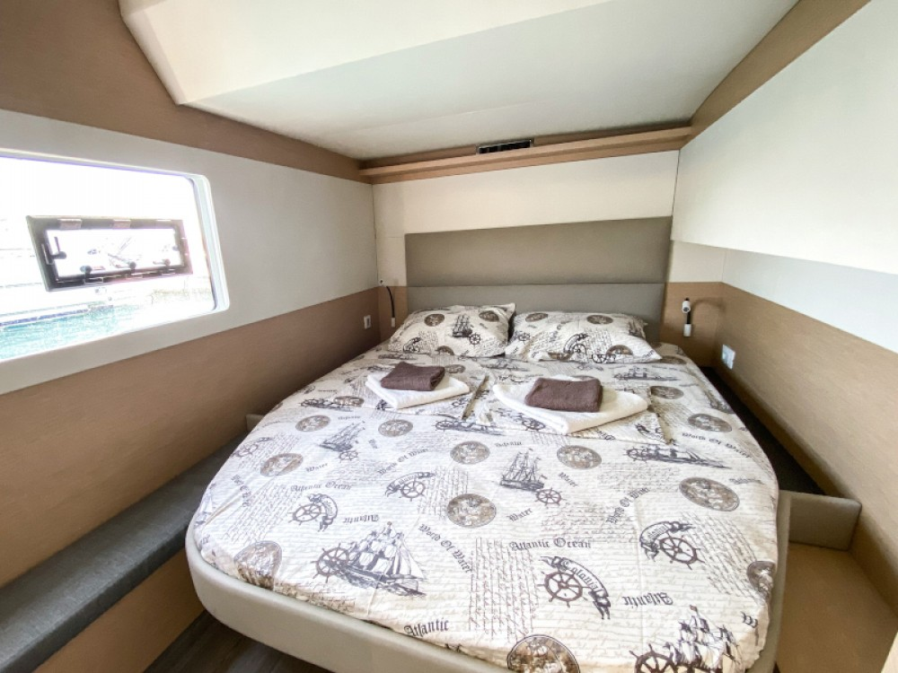 Rent a Fountaine Pajot MY40