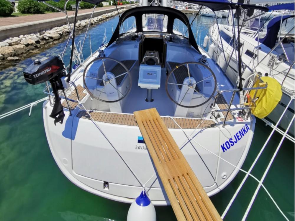 Rent a Bavaria Bavaria Cruiser 34 Sukošan