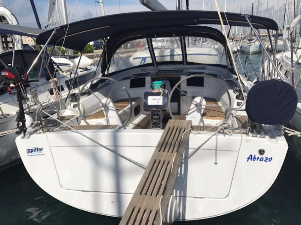 Hire Sailboat with or without skipper Hanse Pirovac