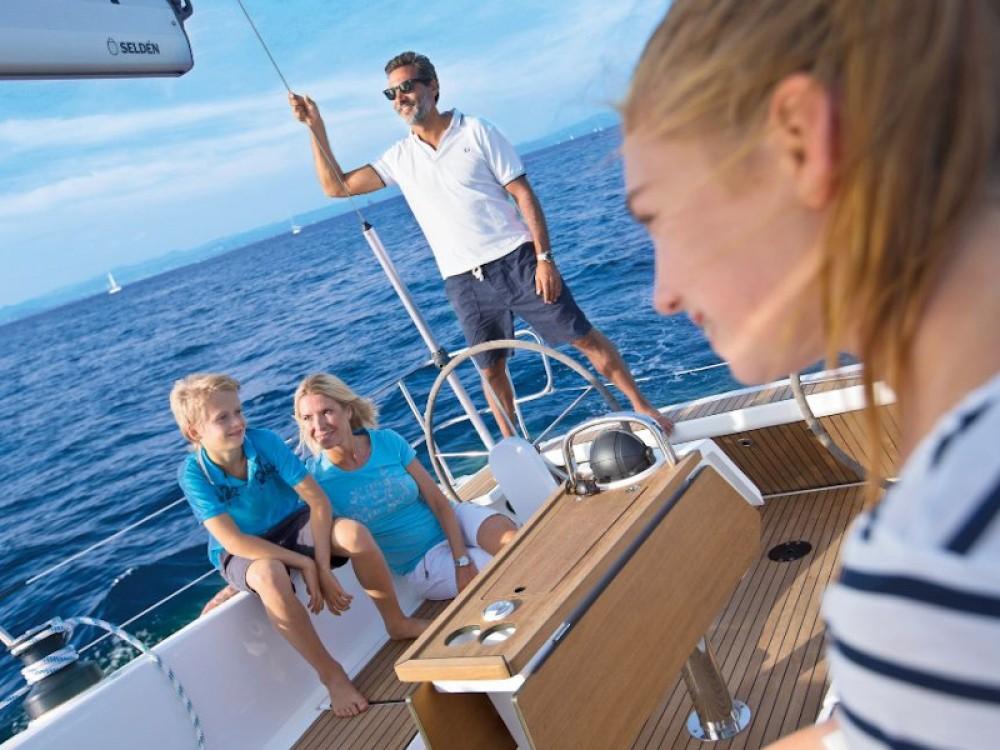 Rent a Bavaria Bavaria Cruiser 41 Pirovac