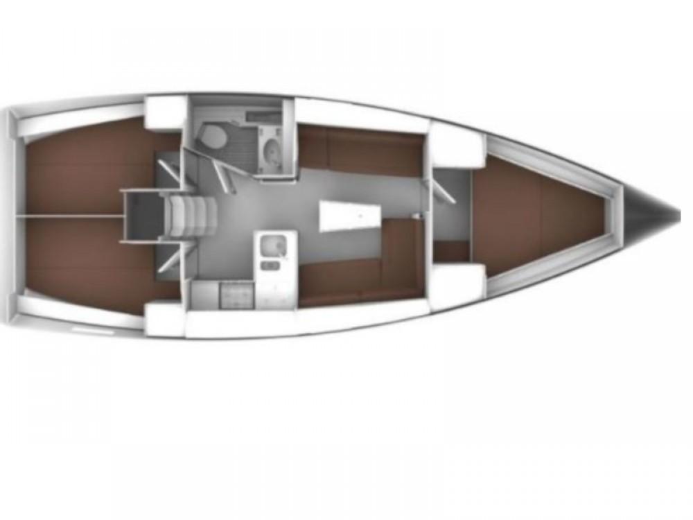 Boat rental Bavaria Bavaria Cruiser 37 in Sukošan on Samboat