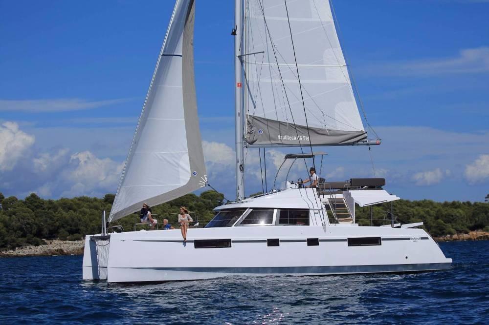 Boat rental Nautitech Rochefort Nautitech 46 Fly - 4 + 1 cab. in Croatia on Samboat