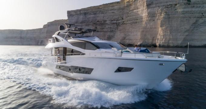 Boat rental Sunseeker Yacht 86 in St. Julian's on Samboat