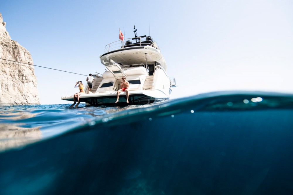 Boat rental Sunseeker Yacht 86 in Saint Julian's on Samboat