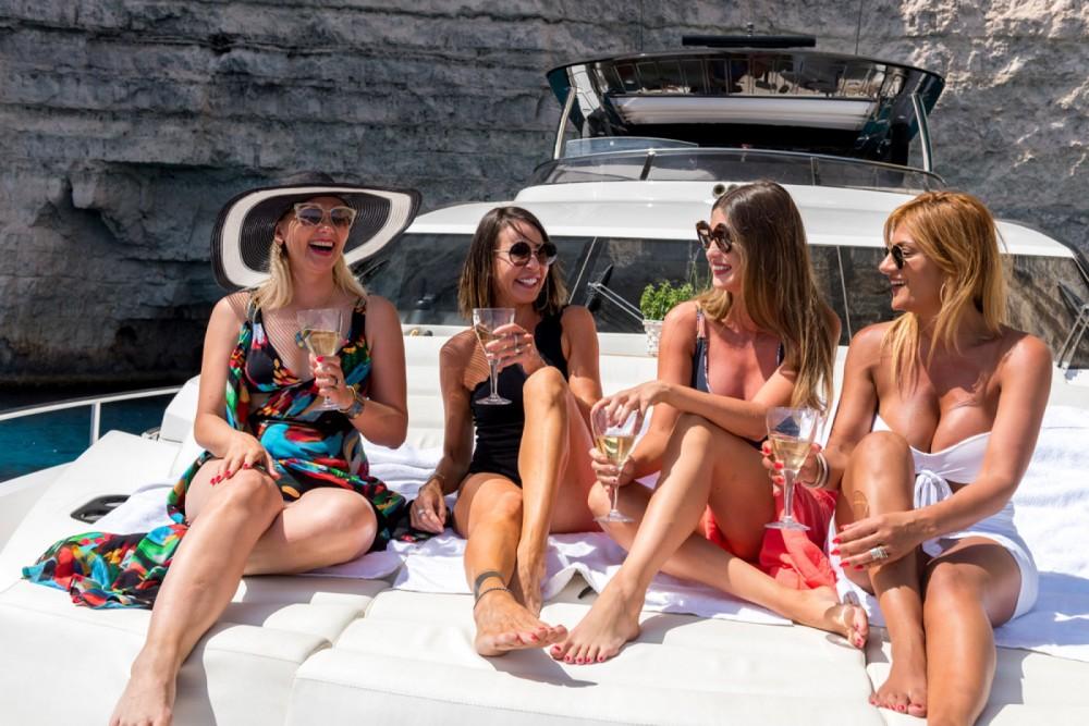 Rent a Sunseeker Yacht 86 Saint Julian's