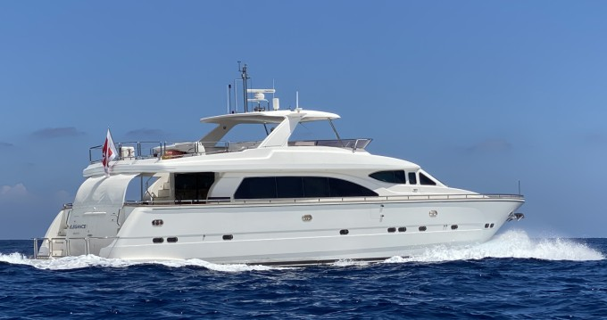 Elegance 82 between personal and professional St. Julian's