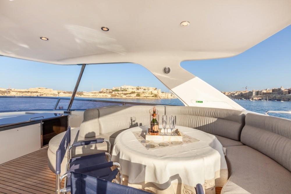 Boat rental Saint Julian's cheap 82