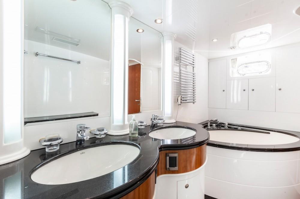 Rental Yacht Elegance with a permit