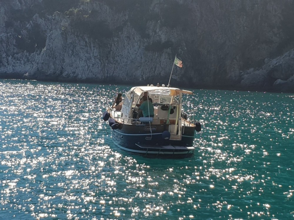 Hire Motorboat with or without skipper Apreamare Naples