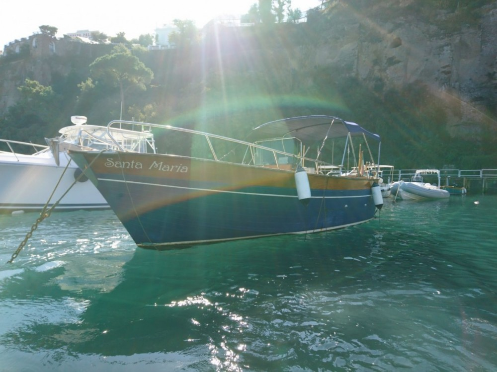Rental Motorboat Apreamare with a permit