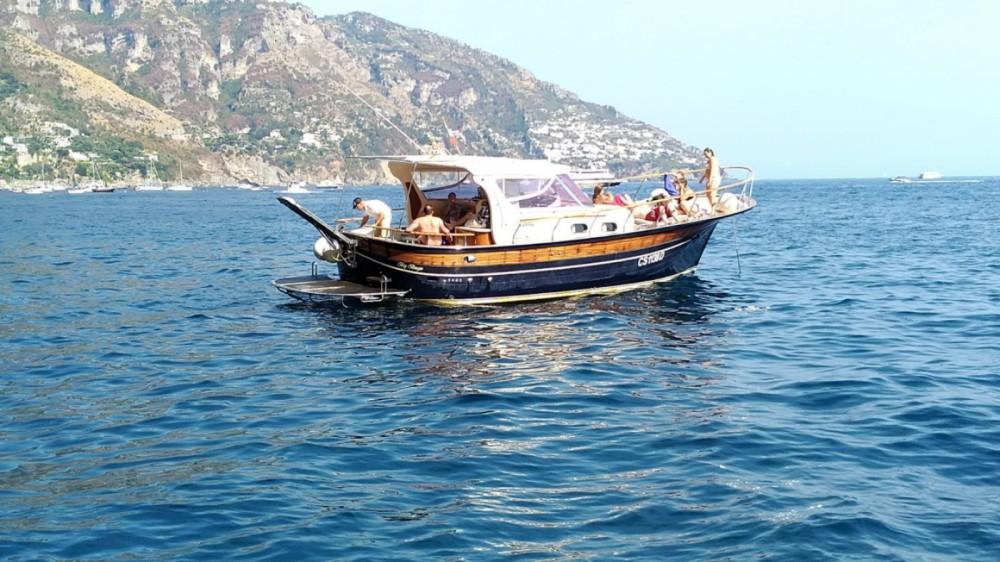 Rental Motorboat in Naples - Sorrentino Gozzo Futura 38' Cabin