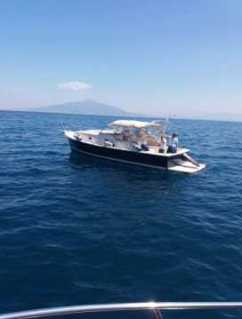 Rental Motorboat Mainship with a permit