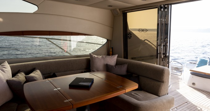 Hire Yacht with or without skipper Sunseeker St. Julian's