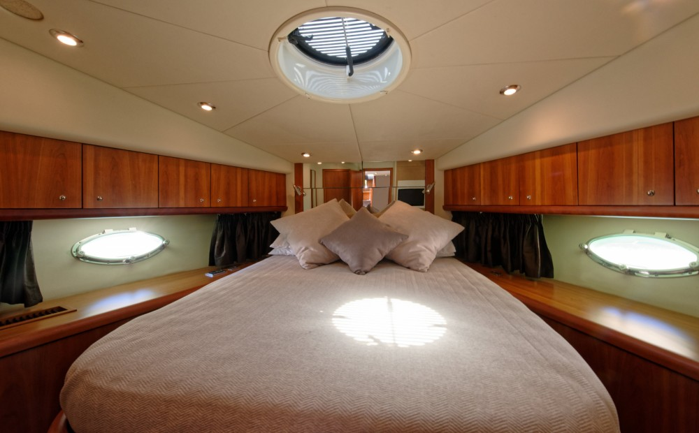 Hire Yacht with or without skipper Sunseeker Saint Julian's