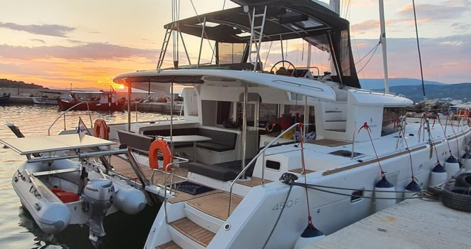 Hire Catamaran with or without skipper Lagoon Volos