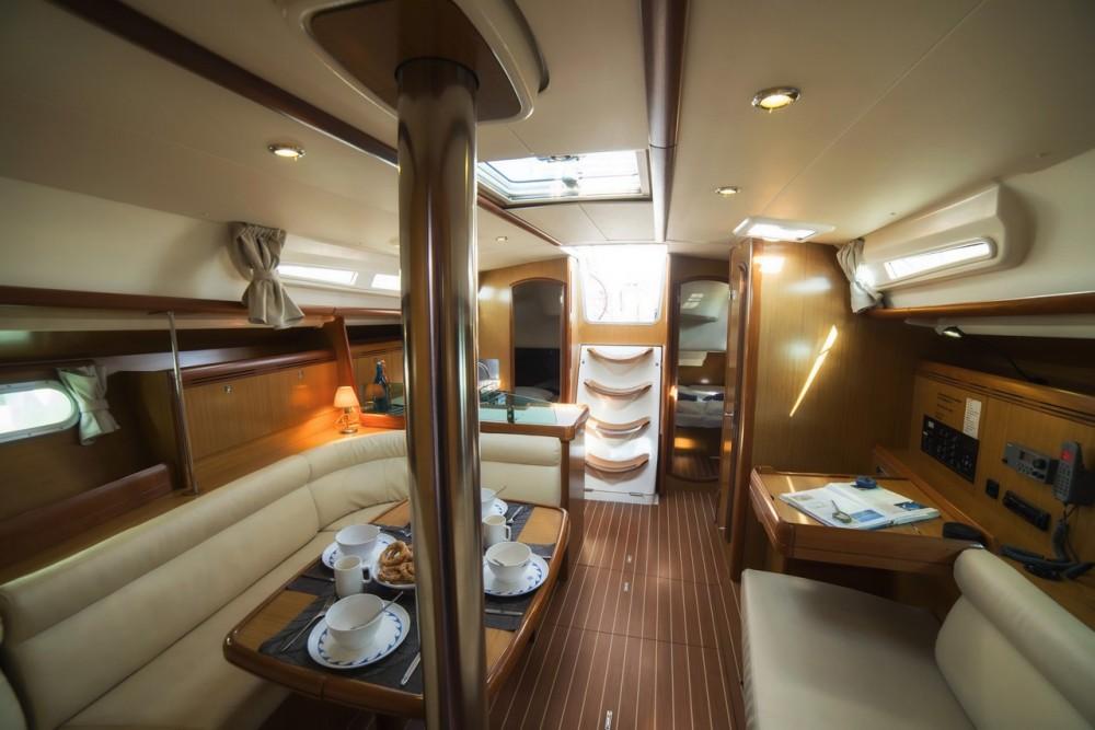Rental yacht Vólos - Jeanneau Sun Odyssey 42i on SamBoat