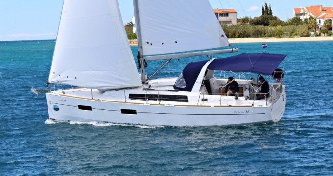 Bénéteau Oceanis 38.1 between personal and professional Ionian Islands