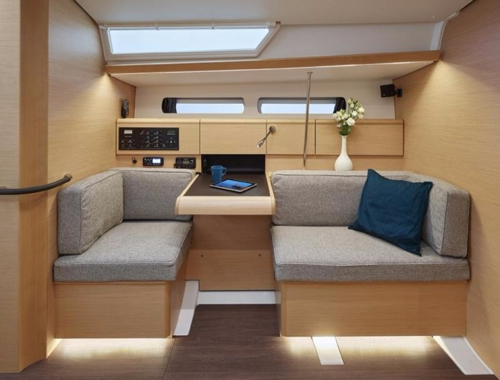Jeanneau Sun Odyssey 449 between personal and professional Road Town