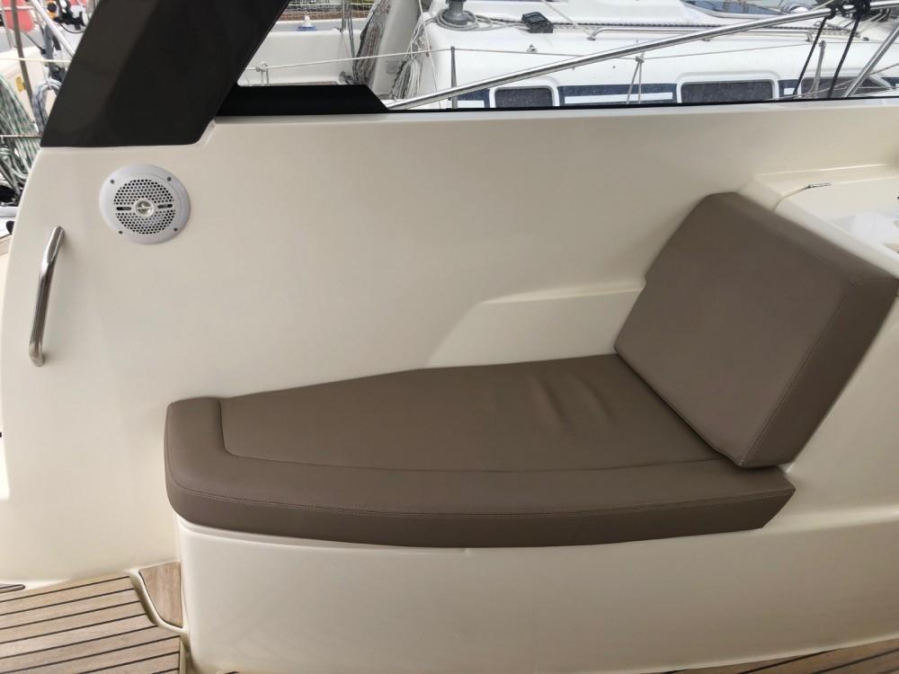 Rental Motorboat in Antibes - Jeanneau Leader 9