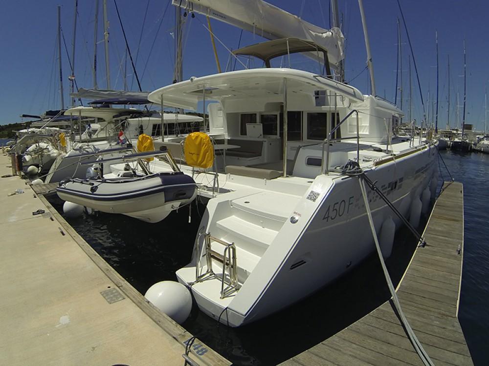 Boat rental Lagoon Lagoon 450 in Šibenik on Samboat