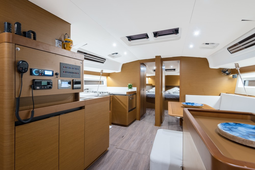 Rental yacht Laurium - Jeanneau Sun Odyssey 490 on SamBoat