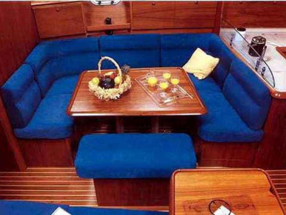 Jeanneau Sun Odyssey 43 between personal and professional Portimão