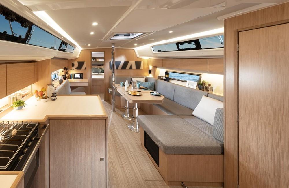 Rental yacht Grad Pula - Bavaria Bavaria C42 on SamBoat
