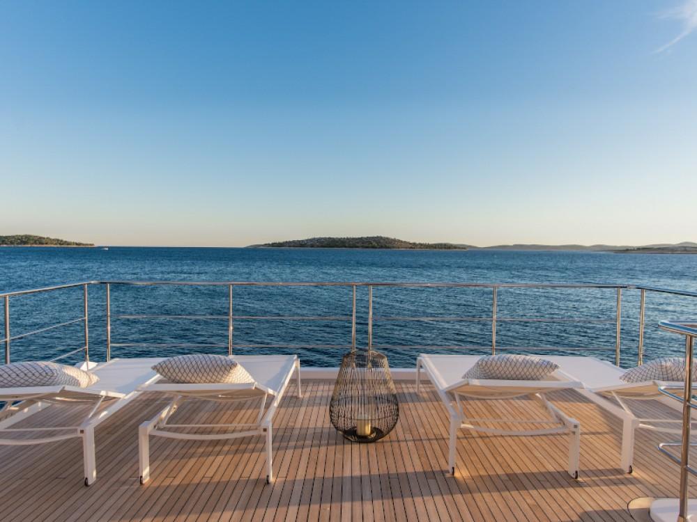 Boat rental Azimut Azimut Grande 27 in Šibenik on Samboat