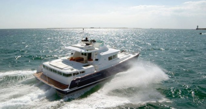 Rental Motorboat in Toulon - Lagoon Lagoon 43 Power