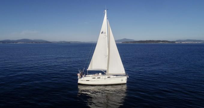 Boat rental Sanxenxo cheap 32 Cruiser